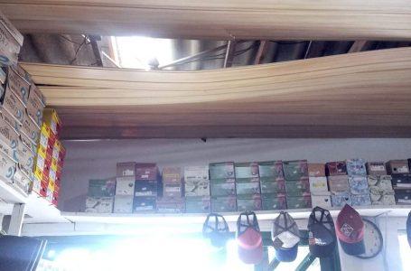 Loja é invadida pelo telhado e tem objetos furtados em São Mateus do Sul