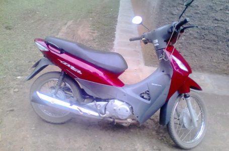 Mulher tem moto roubada em assalto a mão armada em Canoinhas