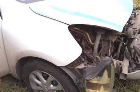 Veículo da Prefeitura de São Mateus do Sul é atingido por rodado de caminhão na BR-476