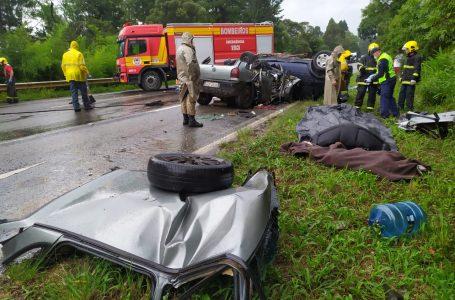 Acidente na BR-280, em Três Barras, matou três crianças e três mulheres