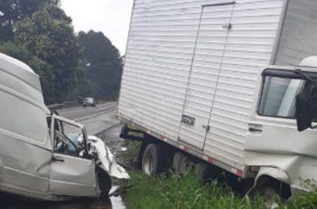 Rapaz de 26 anos morre após acidente na BR-280, em Três Barras