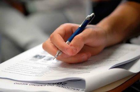Mais de 233 mil candidatos realizam as provas do Enem no Paraná, neste domingo (17)
