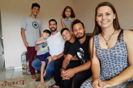 Casal fala sobre experiência de adotar 4 irmãos em Irati