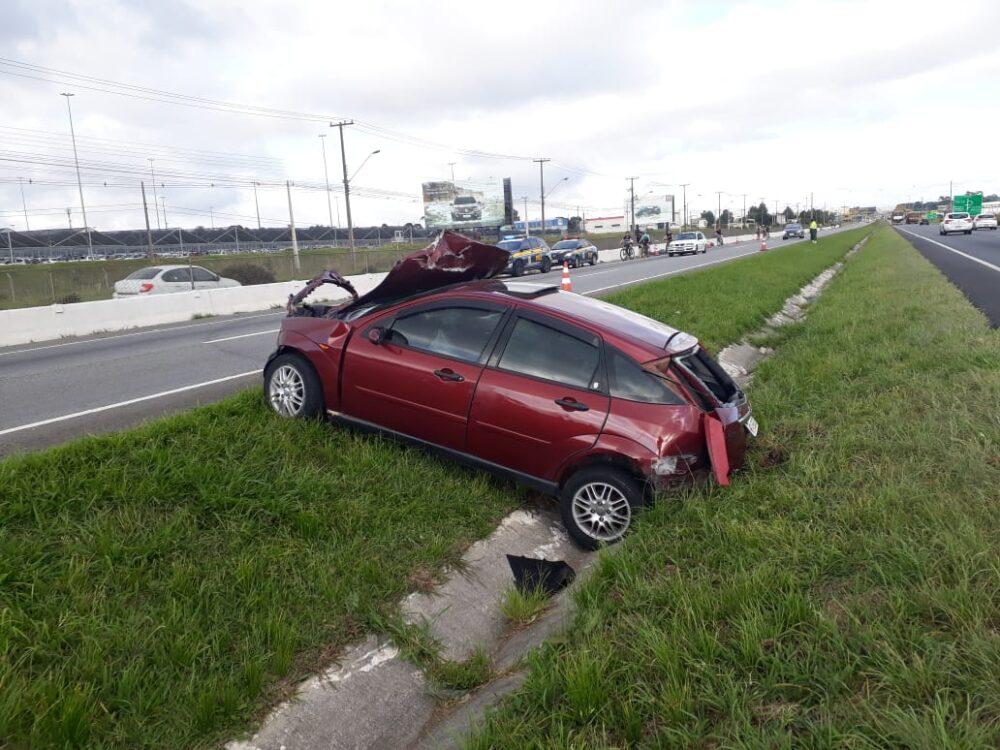 """""""Brincadeira"""" entre amigos na BR-277 mata passageira que era levada no porta-malas de carro"""