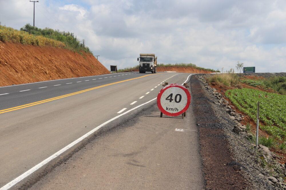 Faltando 27 km para conclusão, obras na PR-364 tem previsão de entrega para início de 2022