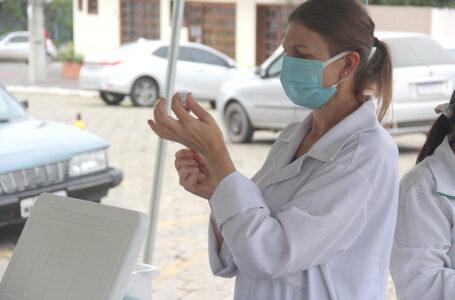 Idosos de 77 e 76 anos recebem vacina nesta segunda e terça em São Mateus do Sul