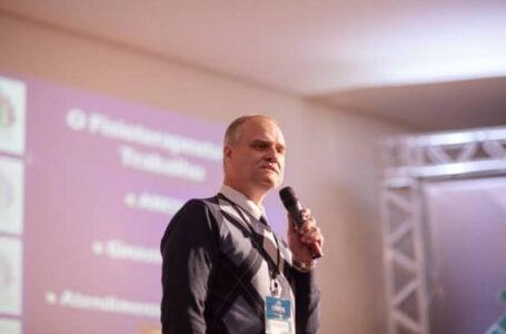 Professor que falou de estupro na Uniguaçu se manifesta por meio de nota