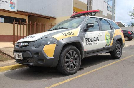 Homem é preso pela PM após esfaquear o próprio irmão em Antônio Olinto