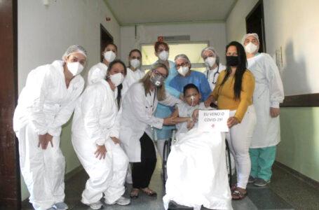 Vitória contra a covid: paciente de 13 anos recebe alta do Hospital de Porto União