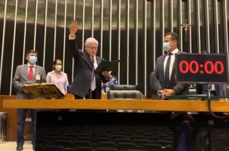 Valdir Rossoni toma posse na Câmara dos Deputados
