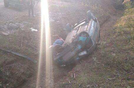 Homem de 38 anos morre após capotar carro em estrada rural de Prudentópolis