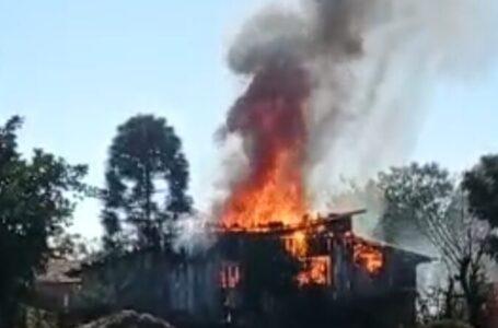 Incomodado com oração, homem mata vizinho e incendeia casa em Três Barras