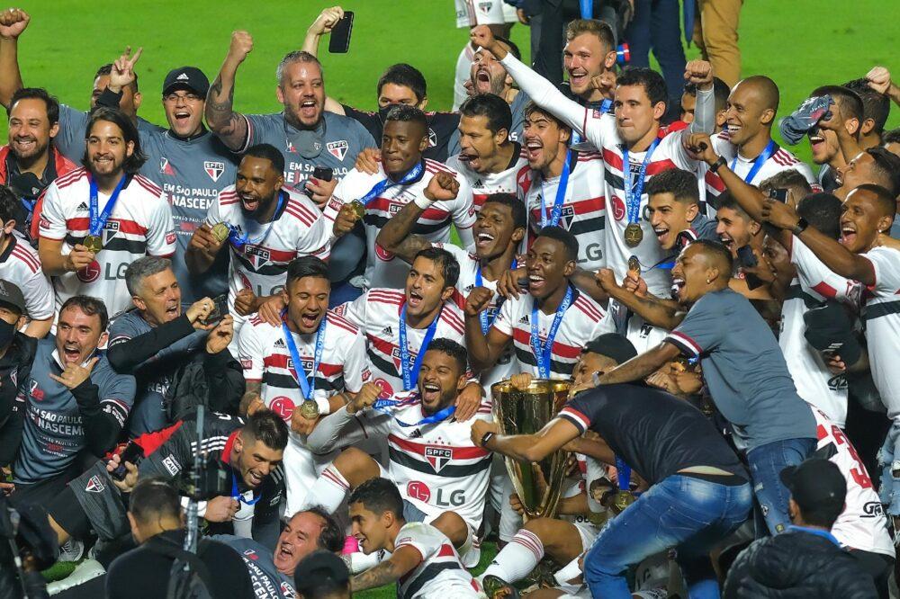 O campeão voltou! São Paulo encerra fila, vence Palmeiras e conquista Paulistão