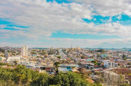 Após 5 mortes por covid-19 em 24 horas, prefeito de Irati fecha comércio a partir desta quinta (20)