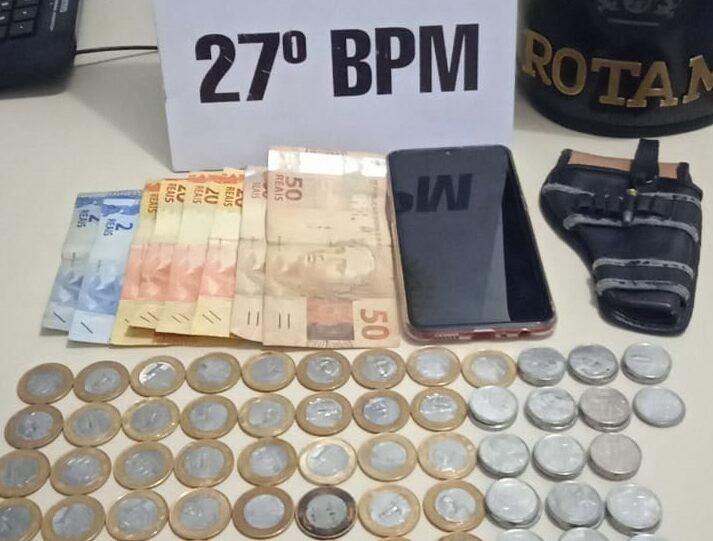 Mãe e filho são presos pela Rotam por tráfico de drogas