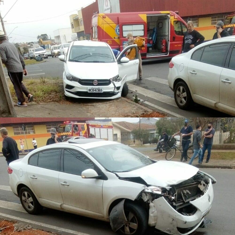 Acidente envolve dois veículos no cruzamento das ruas João Gabriel Martins com João Bettega