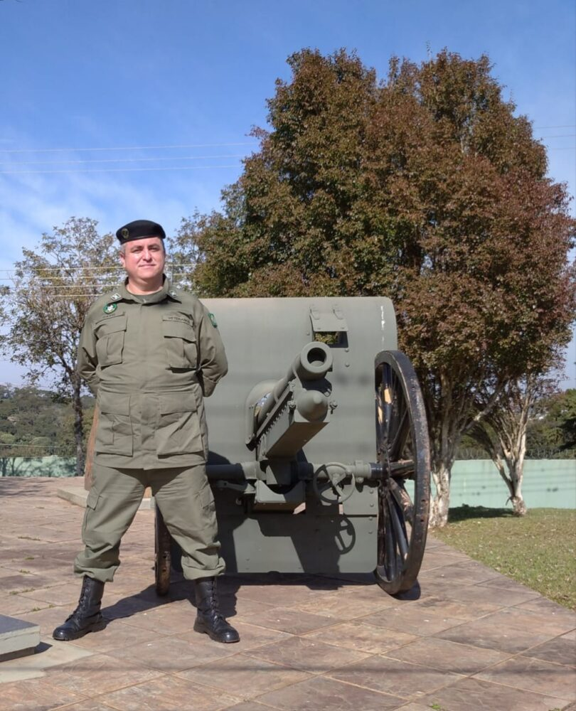 Morador de São João do Triunfo compõe letra para homenagear veteranos do 13º Batalhão de Infantaria Blindada