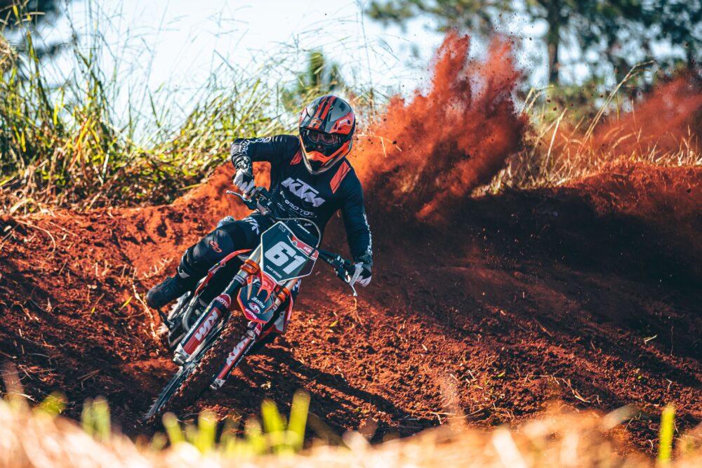 Pro Tork soma três vitórias com seus pilotos no Paranaense de Motocross