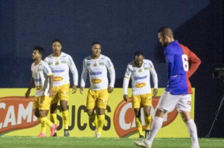 Paraná perde para Novorizontino na Vila e segue na zona de rebaixamento da Série C