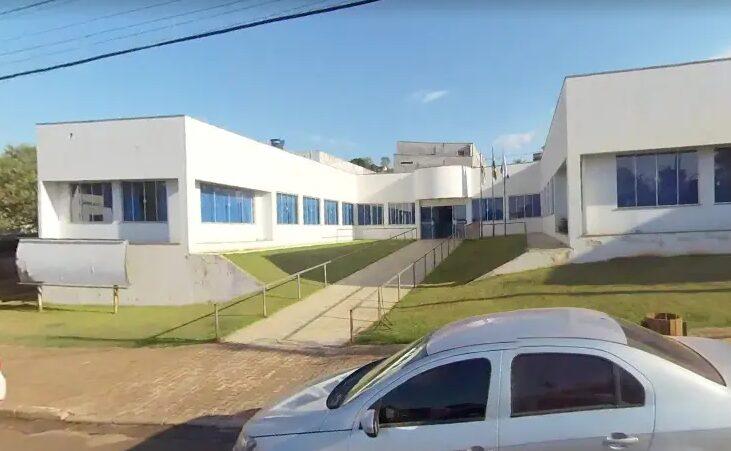 No Paraná, Justiça suspende ato de prefeito que nomeou filha de 18 anos como secretária municipal
