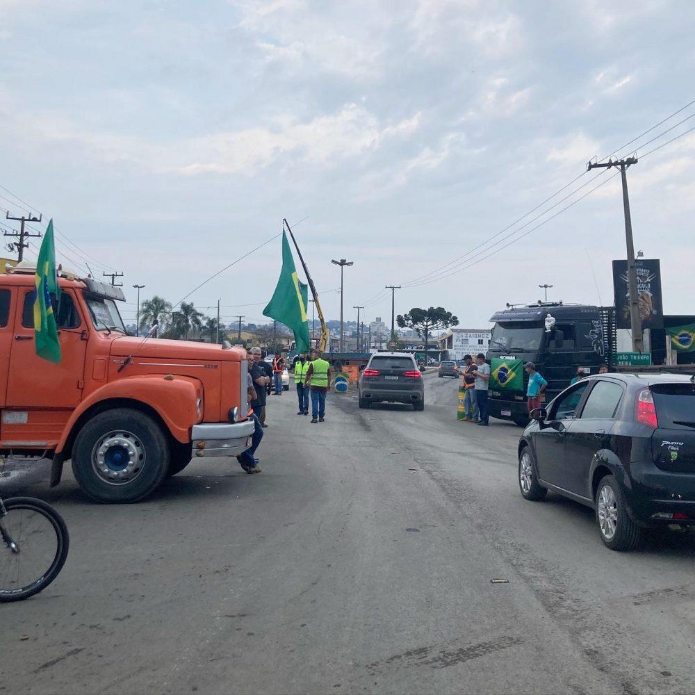 Atualização sobre a paralisação dos caminhoneiros em São Mateus do Sul