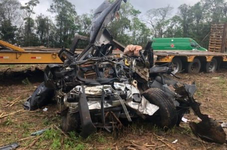Colisão frontal na BR-277 causa duas mortes em Prudentópolis