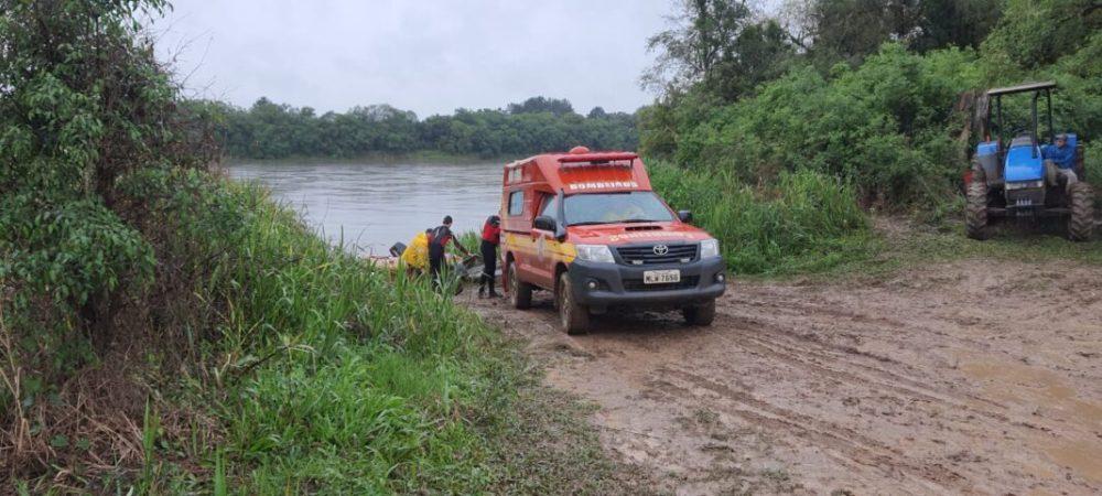 Bombeiros encerram 3º dia de buscas por pescador que desapareceu no rio Iguaçu, em Canoinhas