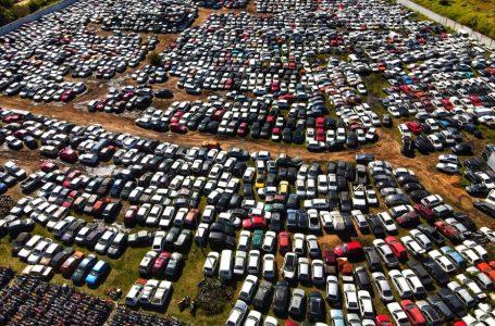 Detran Paraná realiza leilão de 3.068 veículos para reaproveitamento de peças